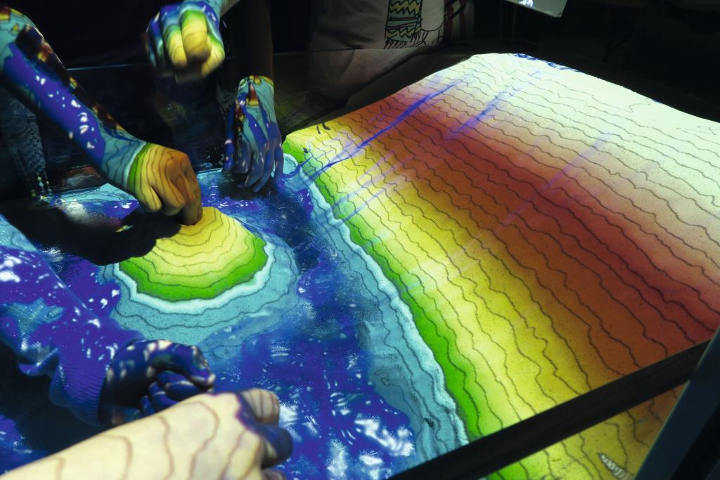 Augmented Reality Sandbox (credit: Knut Günther, GFZ) | Installation at SILBERSALZ Festival 2019