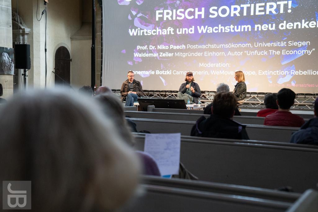 Gespräch zwischen Niko Paech (Universität Siegen) und Waldemar Zeiler (Einhorn Berlin) | SILBERSALZ Festival 2021 |credit: Joachim Blobel